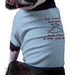 Dos pies izquierdos camiseta de perro