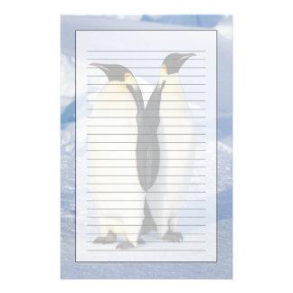 Dos pingüinos de emperador en la Antártida Papeleria De Diseño