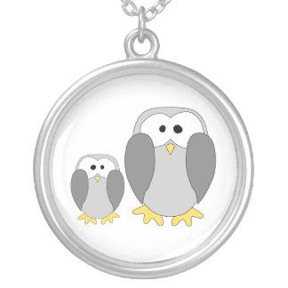 Dos pingüinos lindos. Historieta Colgante Redondo