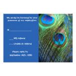 Dos plumas azules RSVP del pavo real Comunicado Personalizado