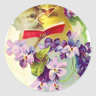 Dos polluelos en el huevo cáscara cantan del etiquetas redondas