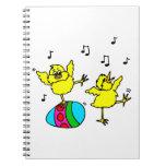 dos polluelos y pascuas de baile egg.png cuaderno