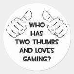 Dos pulgares y juegos de los amores pegatinas redondas
