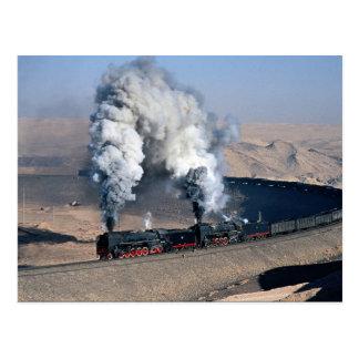 Dos QJs en el borde del desierto de Gobi, China Tarjetas Postales