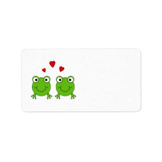Dos ranas verdes con los corazones rojos etiquetas de dirección