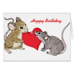 Dos ratones en cumpleaños del amor tarjetón