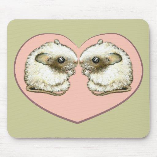 Dos ratones en un corazón del amor alfombrilla de ratón