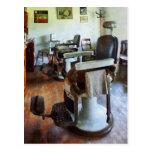 Dos sillas de peluquero tarjeta postal