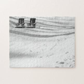 Dos sillas enterradas en nieve puzzles con fotos
