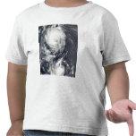Dos sistemas del tifón que se acercan al Extremo Camisetas