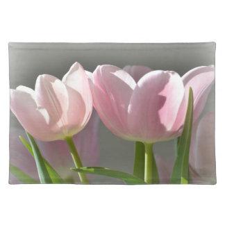Dos tulipanes rosados mantel