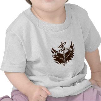 Dos veces llevadas alas fetales bífidas del ángel  camisetas
