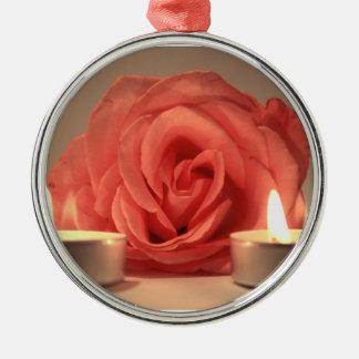dos velas color de rosa de foto floral del rosa ornamento de reyes magos