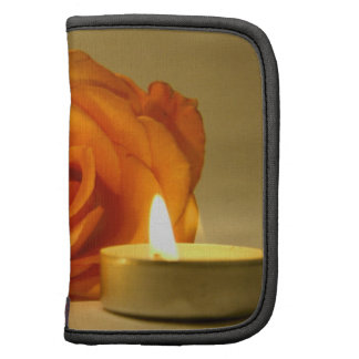 dos velas color de rosa de imagen floral amarillo- organizadores
