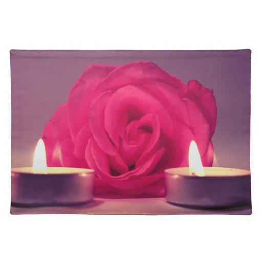 dos velas color de rosa de imagen floral rosada os manteles individuales