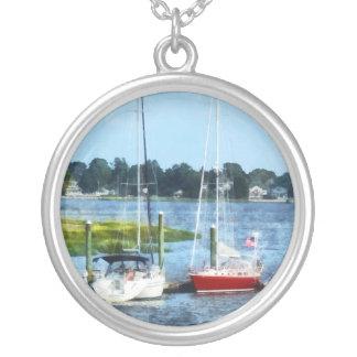 Dos veleros atracados Norwalk CT Pendientes Personalizados