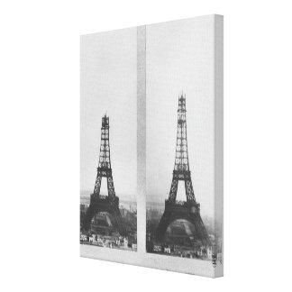 Dos vistas de la construcción de Eiffel Impresión En Lienzo