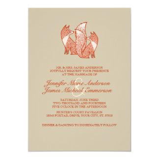 Dos zorros de Brown y de la marfil que casan Invitación