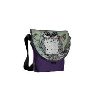 Dotti the Owl 31 Messenger Bag