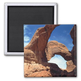 Double Arch Magnet magnet