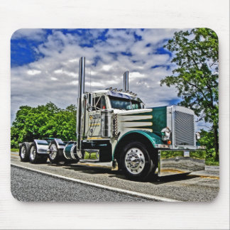 Double D Peterbilt 379 Mousepad