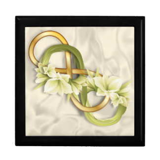 Double Infinity in Gold & Cowlilies-White 1 Gift Box
