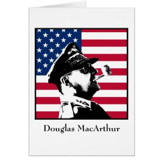 Douglas MacArthur y la bandera de los E.E.U.U. Tarjeta De Felicitación