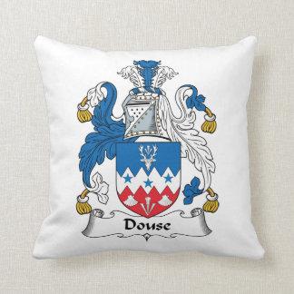 Douse el escudo de la familia almohadas