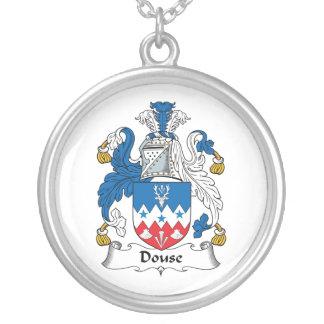Douse el escudo de la familia colgantes personalizados