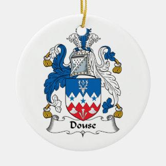 Douse el escudo de la familia adorno redondo de cerámica