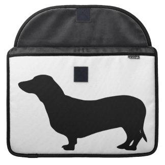 Doxie lindo de la silueta del negro del perro del fundas macbook pro