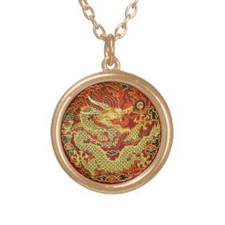 Dragón asiático de oro bordado en rojo oscuro joyerias