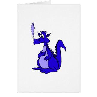 Dragón azul con humo tarjeta de felicitación