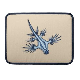 Dragón azul Nudibranch Fundas Macbook Pro