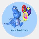 Dragón azul que lleva a cabo al pegatina lindo de