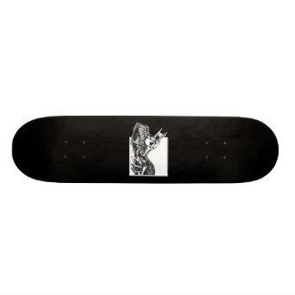 Dragón biomecánico tablas de skate