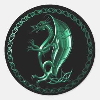 Dragón céltico verde etiquetas redondas