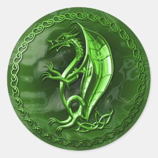 Dragón céltico verde pegatinas redondas