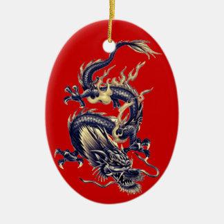 Dragón chino azul #1 de la pizarra y del oro adorno navideño ovalado de cerámica