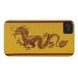 Dragón chino de la mitología, rayas - oro rojo iPhone 4 funda