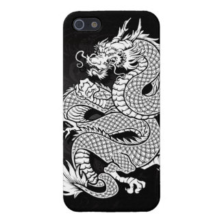 Dragón chino en espiral blanco y negro iPhone 5 protector