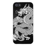 Dragón chino en espiral blanco y negro iPhone 5 funda