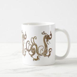 Dragón chino estilizado de bronce taza básica blanca