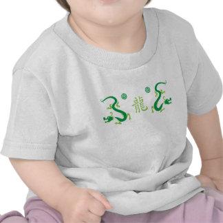 Dragón chino verde y Shau Camisetas