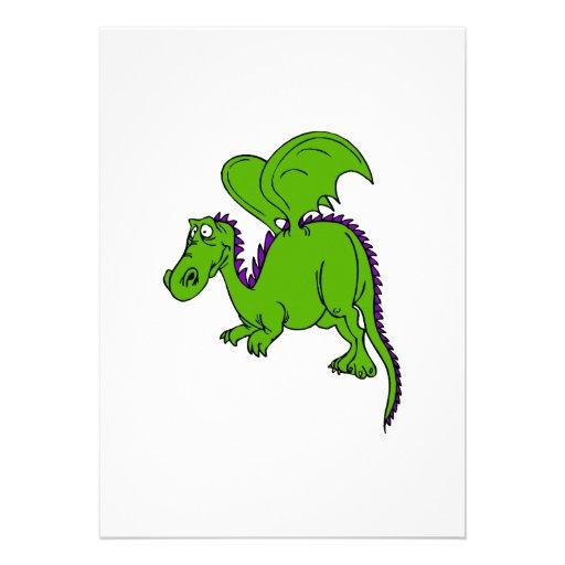 Dragón con alas verde comunicado