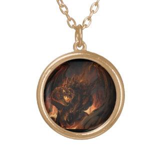Dragón creado del collar del oro de las llamas