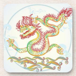 dragón de agua elegante por los 2012 Años Nuevos c Posavaso