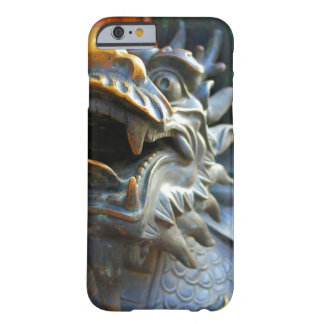 Dragón de bronce - China - caso del iPhone 6 Funda Barely There iPhone 6