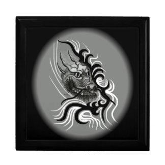 Dragón de China en estilo del tatuaje Caja De Regalo