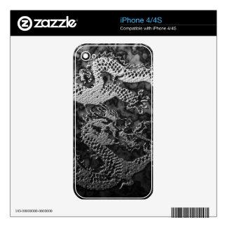 Dragón de la pintura del cromo iPhone 4S skins
